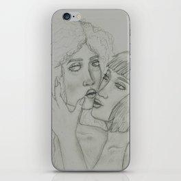 2 girlz doin sexi tings iPhone Skin