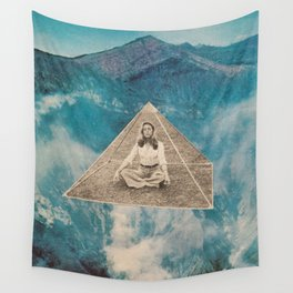 Flotar entre las nubes  Wall Tapestry