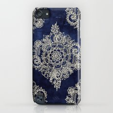 Cream Floral Moroccan Pattern on Deep Indigo Ink iPod touch Slim Case