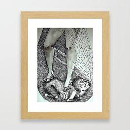 tacones lejanos Framed Art Print