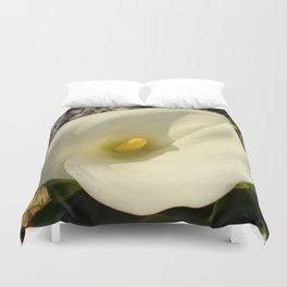 Single Cream White Calla Lily With Garden Background Duvet Cover