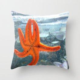 A STAR IN THE OCEAN Throw Pillow