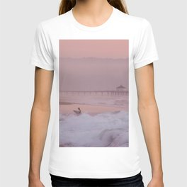 Manhattan Beach Surfer at Sunset T-shirt