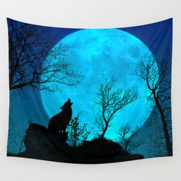 Howling wolf Wall Tapestry