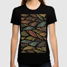 Fine Feather Pattern T-shirt