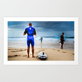 Kelly Slater about to go surf Pipeline, Hawaii.  Art Print