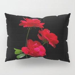 Red roses on black background Pillow Sham