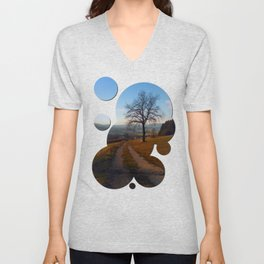 Tree, trail and indian summer evening | landscape photography Unisex V-Neck