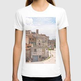 Italian mountain village T-shirt