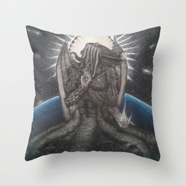 Ph'nglui mglw'nafh Cthulhu R'lyeh wgah'nagl fhtagn. Throw Pillow
