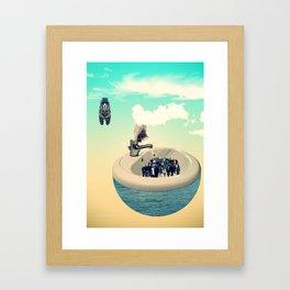 Bien doser le bain Framed Art Print