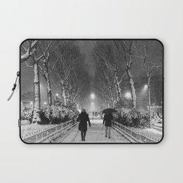 Strangers in the snow Laptop Sleeve