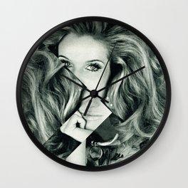 Frau Dreiecke 1 Wall Clock