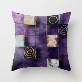 ART_IRON3 Throw Pillow