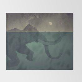 Elephant mountain Throw Blanket