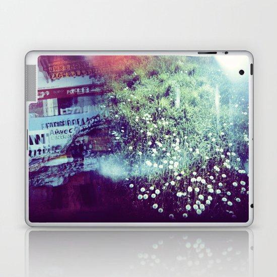 Holga Flowers V Laptop & iPad Skin