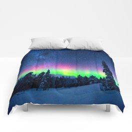 Aurora Borealis Over Wintry Mountains Comforters