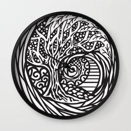 Tree motif in black in white Wall Clock