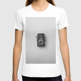 Old Camera (Black and White) T-shirt