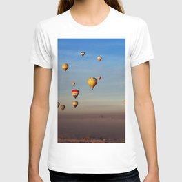 Fairytale dreams of hot air balloons T-shirt
