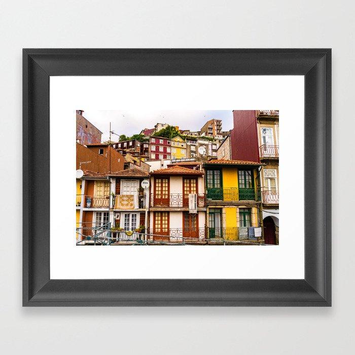 Portuguese Neighborhood Gerahmter Kunstdruck