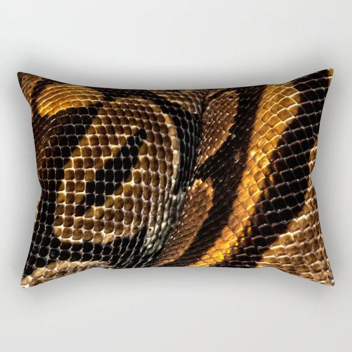 SNAKING Rectangular Pillow