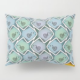 Looking for the gold fish Pillow Sham