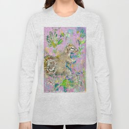 Storybook Squirrel Love with pink background Long Sleeve T-shirt