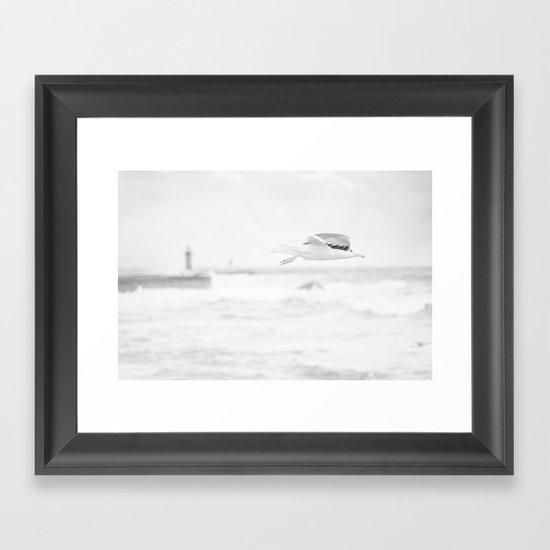 sea - flight Framed Art Print