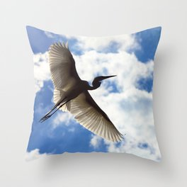 Egret in flight Throw Pillow