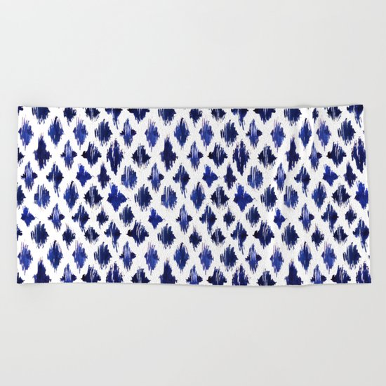 Shaking ultramarine Beach Towel