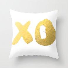 XO gold Throw Pillow