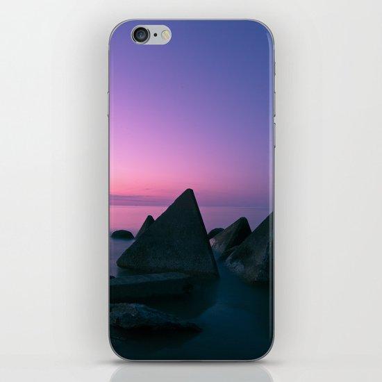 Ocean's Teeth iPhone & iPod Skin