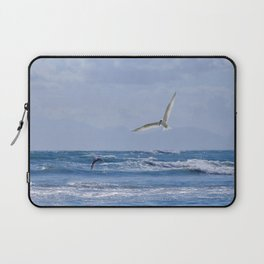 Terns diving into the ocean Laptop Sleeve
