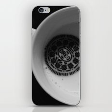 twist. lick. dunk. iPhone & iPod Skin