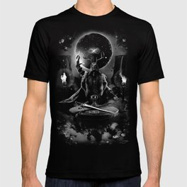 I. The Magician Tarot Card Illustration T-shirt