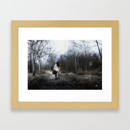 El viaje comienza Framed Art Print