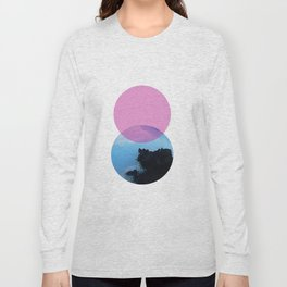 Ocean and the pink sky Long Sleeve T-shirt