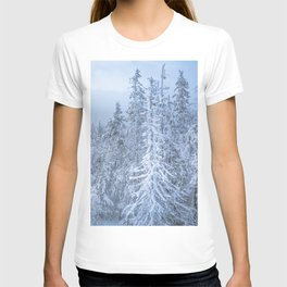 Winter forest in the Mountains T-shirt