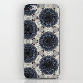 Raisin Givré - Frozen grape iPhone Skin
