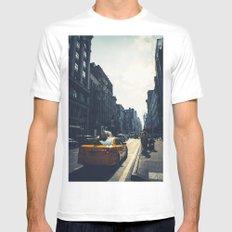 walking in New York MEDIUM Mens Fitted Tee White