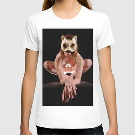 8395s-MM Nude Model in Cat Mask Illuminated From Below T-shirt