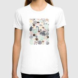 dots 2 T-shirt