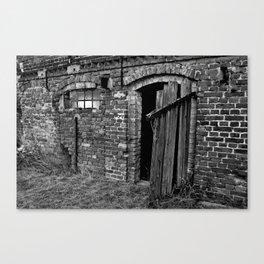 Old abandoned barn Canvas Print