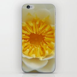 Pollen Trap - Garden Photography by Fluid Nature iPhone Skin