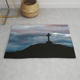 The cross on the hill Rug