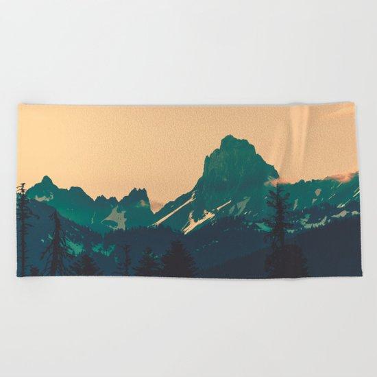 Cascade Mountains Sunset Beach Towel