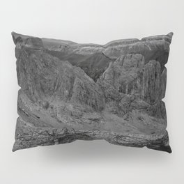 ROCK FORMATION IN GRAYSCALE PHOTO Pillow Sham