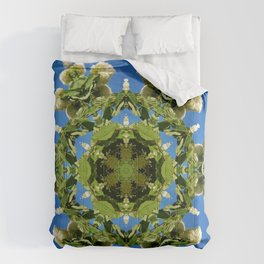Hydrangea kaleidoscope - white flowers, green leaves, blue sky 161134 k6 Comforters
