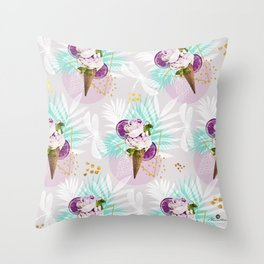 Love sumer Throw Pillow